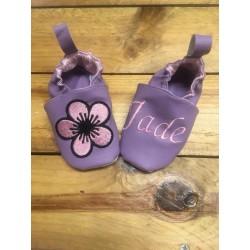 Chaussons souple simili violet